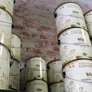 Meoded paint cans